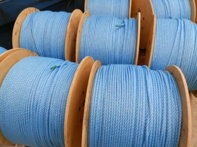reels_of_rope_01
